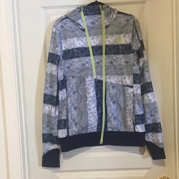 9a80040fd NWOT The North Face | Women's Thatch Hoodie